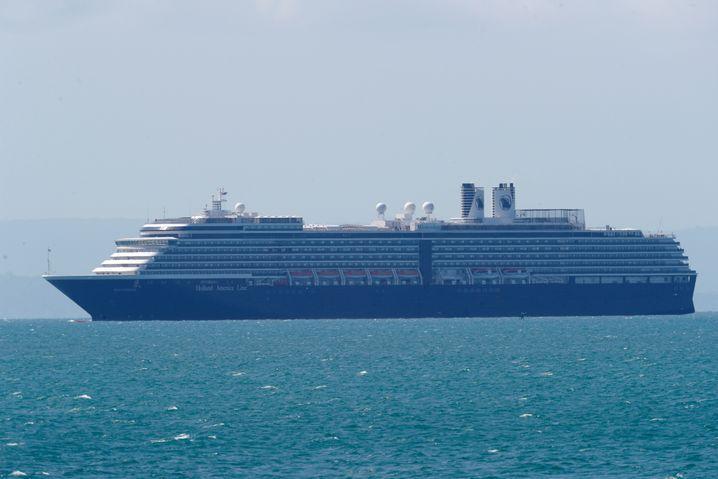 MS Westerdam: Zwei Wochen irrte der Luxuskreuzer auf hoher See, durfte nirgendwo festemachen, obwohl niemand an Bord mit dem Coronavirus infiziert sei, hieß es