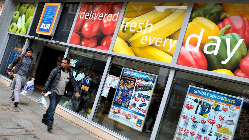 Aldi-Markt in Manchester: Der Discounter aus Deutschland jagt ebenso wie Lidl den britischen Supermärkten Marktanteile ab
