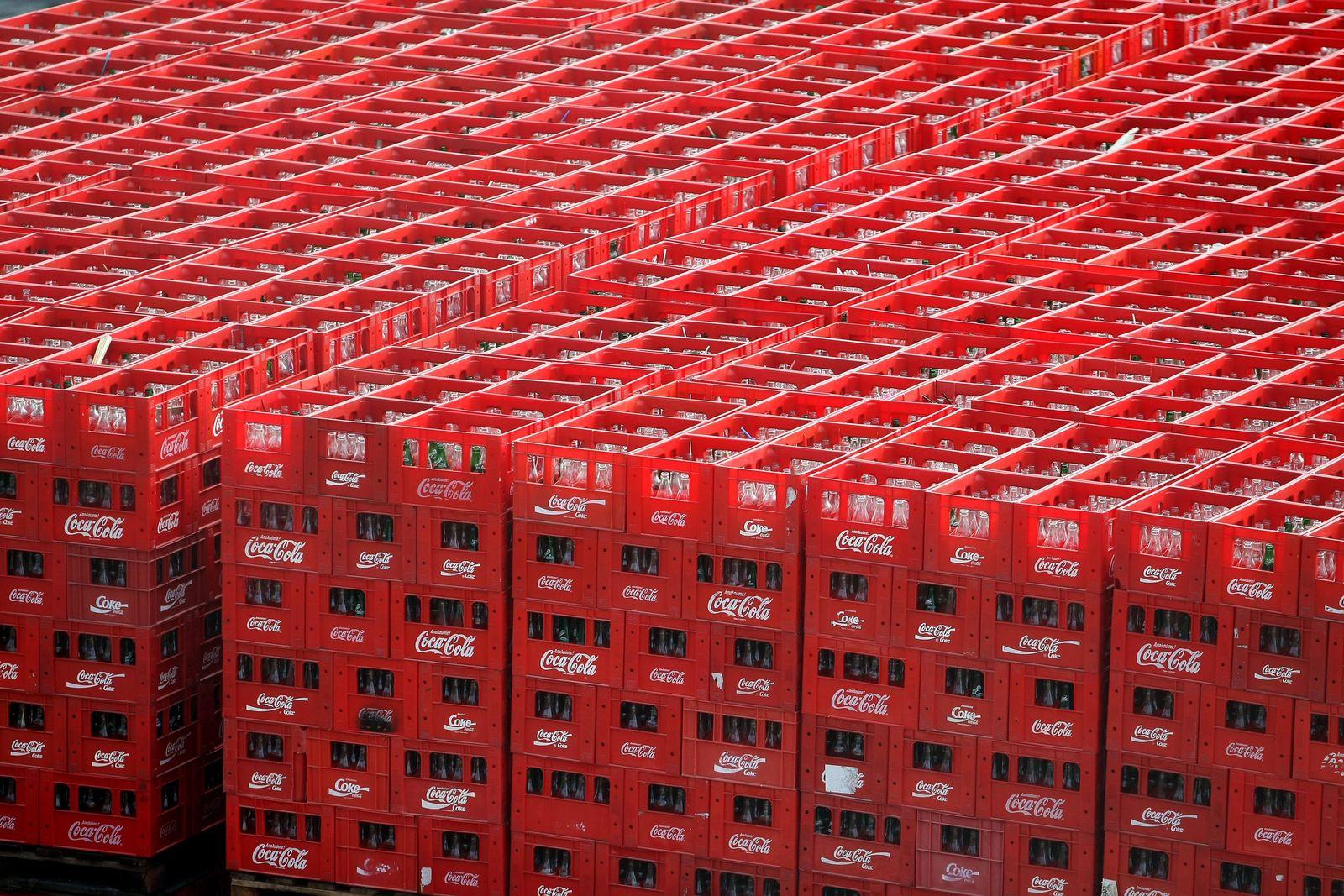 Coca Cola Hellenic moves to Switzerland