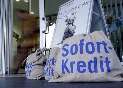 Sofort nach Auskunft: In Deutschland vergibt kaum jemand ein Darlehen, ohne vorher bei der Schufa angefragt zu haben