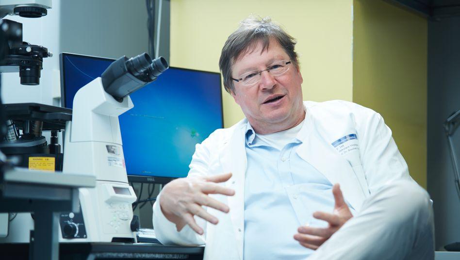 Mastermind: Der Heidelberger Professor Stephan Urban ist Entdecker des Virusblockers von Myr