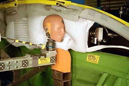 Vorhang zur Sicherheit: Kopfairbag für den Seitenaufprall