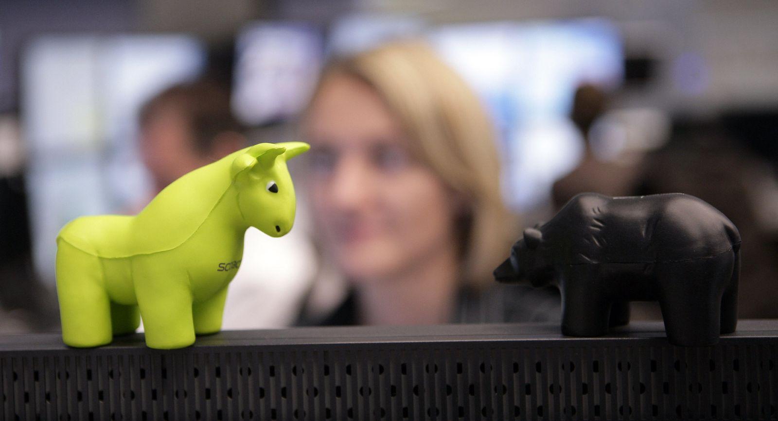 Symbolbild Börse Frankfurt mit Stier und Bär