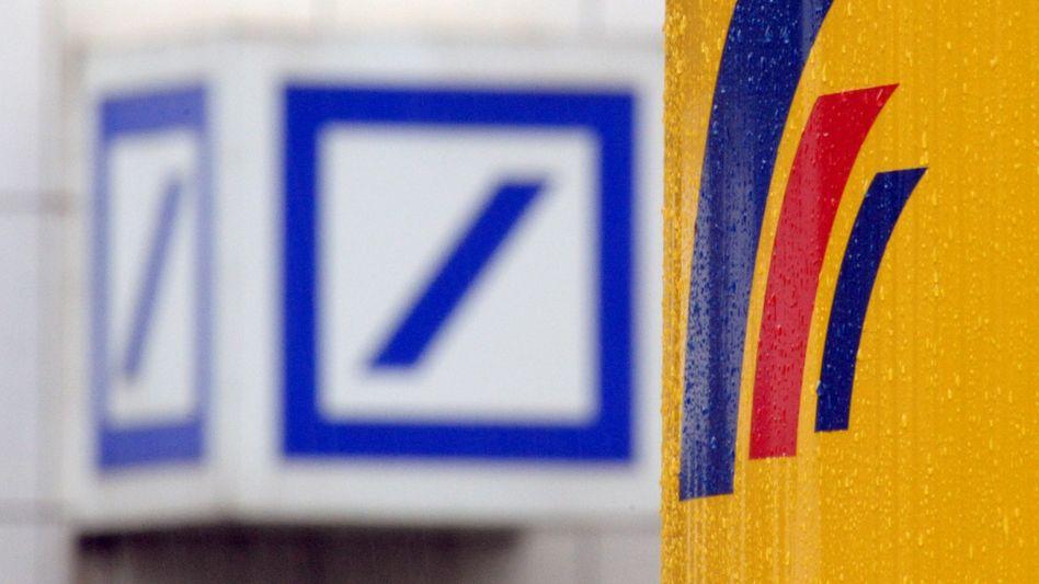 Deutsche Bank und Postbank: Im Jahr 2008 stieg die Deutsche Bank ein, ein Pflichtangebot unterbreitete sie erst 2010 - da war der Kurs längst im Keller