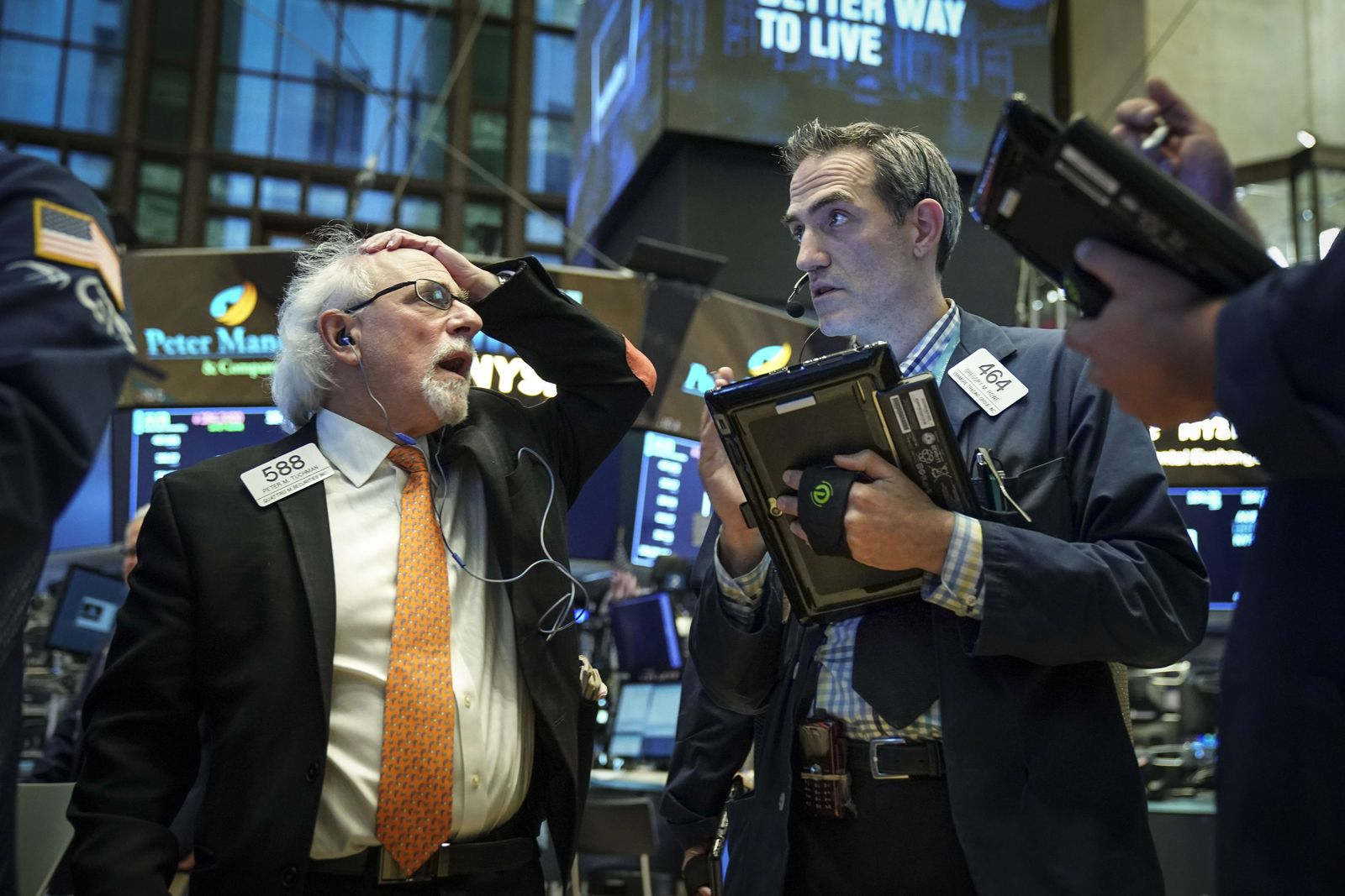 Dow Plunges Over 600 Points On Technology Sector Fears
