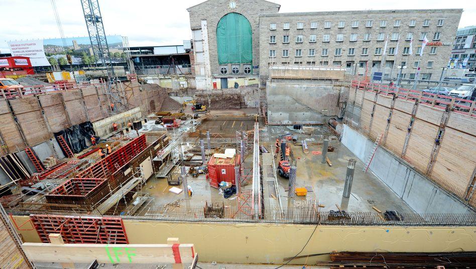 Teure Baustelle: Der neue Hauptbahnhof in Stuttgart wird trotz immenser Kostensteigerungen weitergebaut