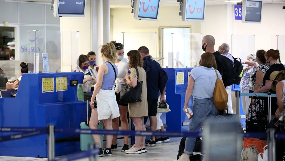 Fluggäste auf Mykonos