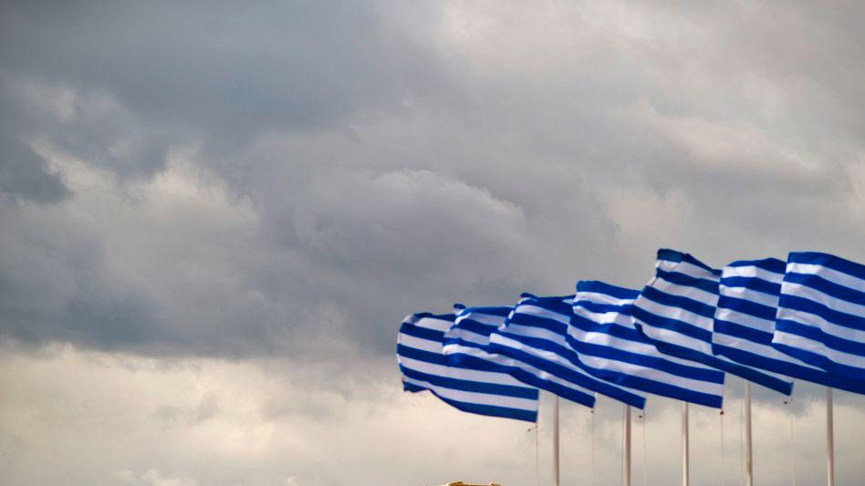 Griechische Fahnen in Athen: Wütende Proteste nach deutschem Sparkommissar-Vorschlag