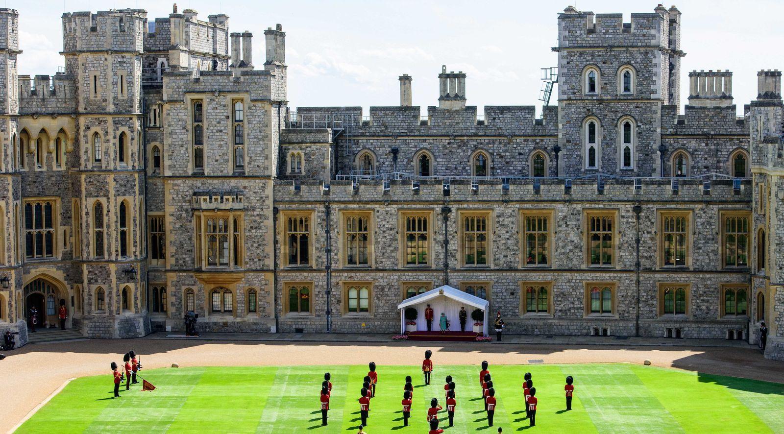 Schloss Windsor - Ersatz-Parade zu Ehren der Queen