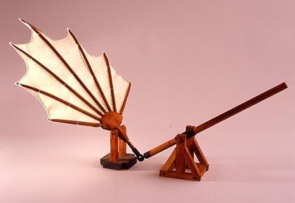 Flügelschlagtester: Leonardo glaubte, dass eine Testperson, die die Schwinge schnell genug bewegen würde, den an ihr befestigten Klotz zum aufsteigen bringen könnte