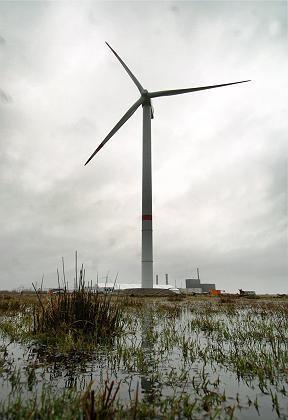 Der Bietekampf um Repower geht weiter: Nun erhöhte die Suzlon-Gruppe ihr Gebot