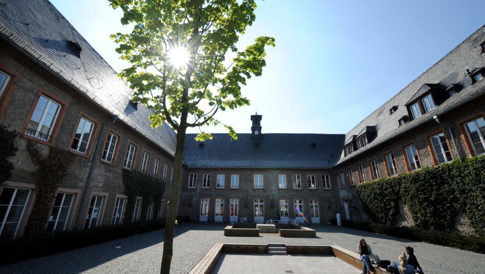 European Business School: Private Hochschule in den Schlagzeilen