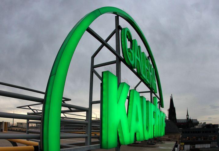 Kaufhof-Logo: Ist die Metro-Tochter HBCs neustes Übernahmeziel