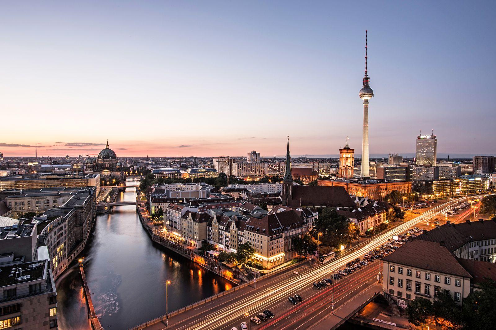 Deutschland / Berlin / Konjunktur / Fernsehturm / Wirtschaft