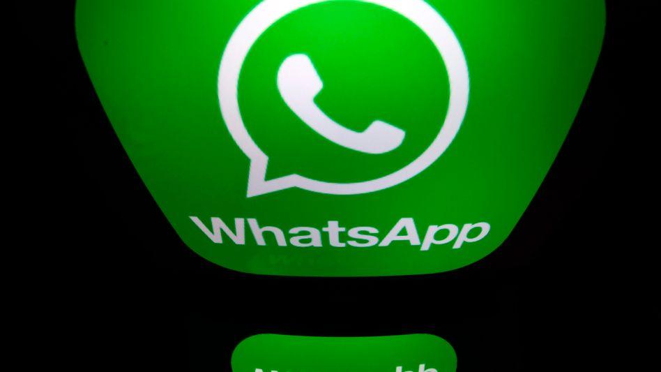 Whatsapp: Eine Mutter wurde verpflichtet, von allen Personen, die aktuell im Adressbuch des Smartphones ihres Sohnes gespeichert sind, schriftliche Zustimmungserklärungen einzuholen