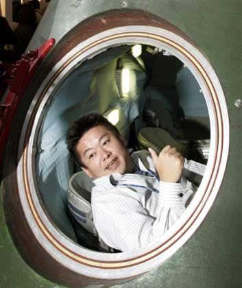 Takafumi Horie: Aus der Raumkapsel zu Werbezwecken in der Gerichtssaal zur eigenen Verteidigung