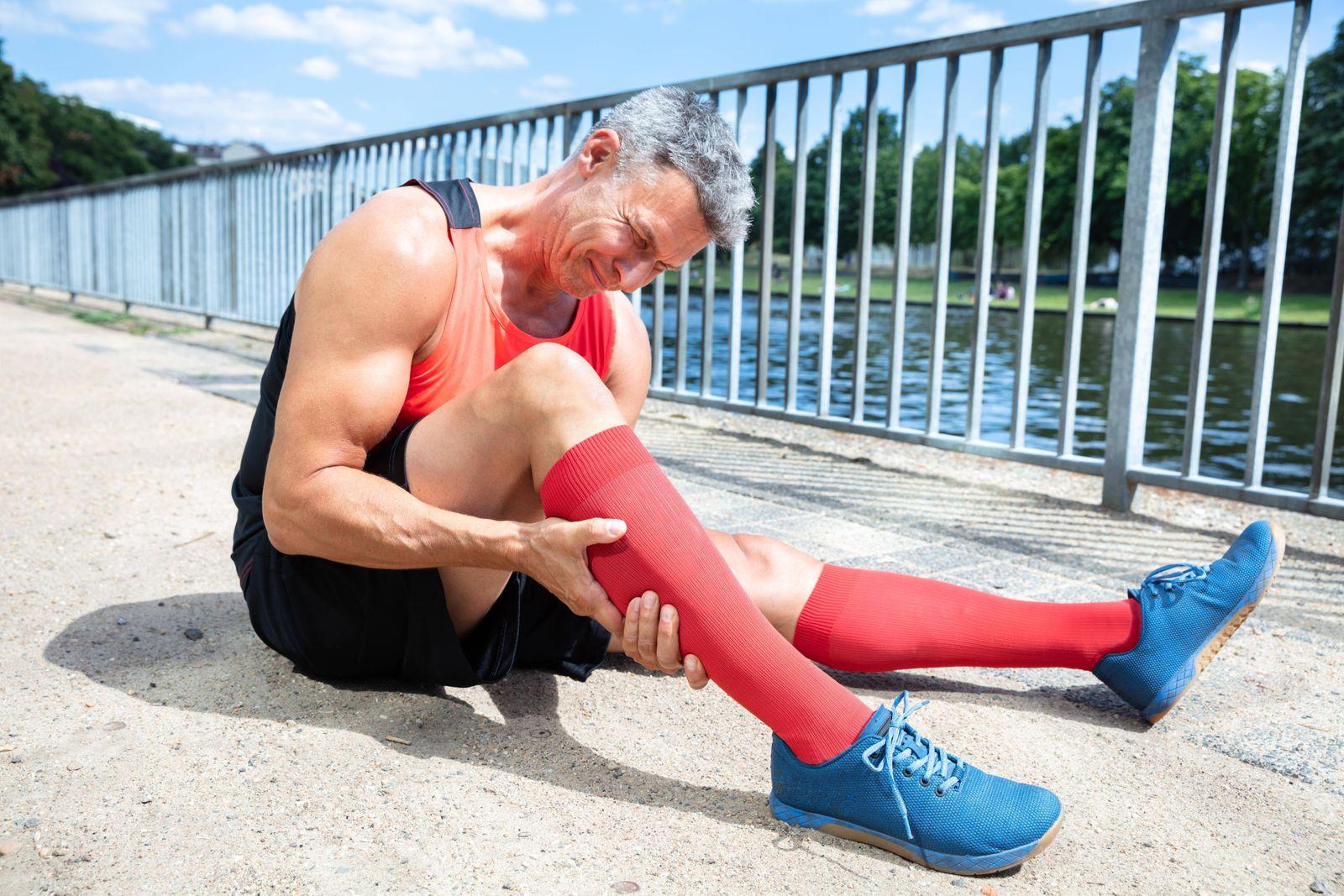 EINMALIGE VERWENDUNG Läufer mit Schmerz / Verletzung