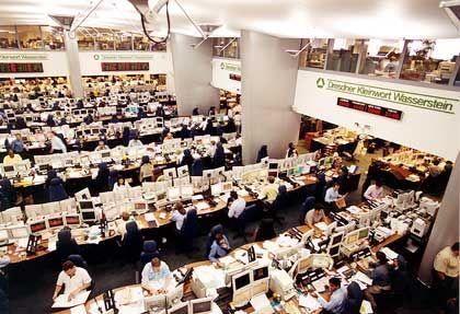 Das einst so lukrative Investmentbanking schreibt Millionenverluste: Handelssaal von Dresdner Kleinwort Wasserstein in London