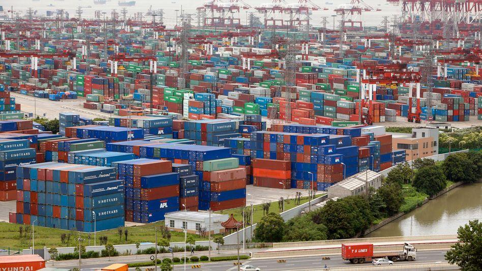 Containerhafen von Shanghai: China gehört zu den wichtigsten Zielen der weltweiten Frachtschifffahrt