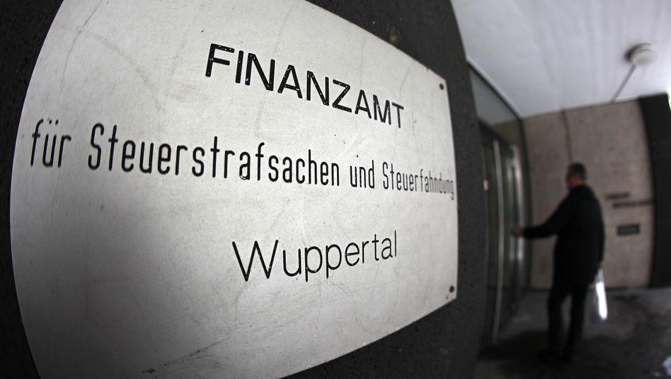 Finzamt Wuppertal: Gewerkschaften klagen über Personalmangel in Finanzbehörden