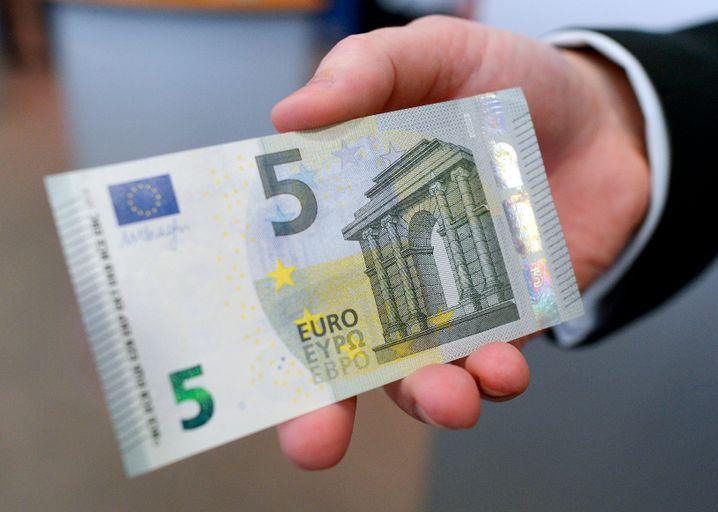 5 Euro sind 5 Euro - und wen der Arbeitgeber sie anbietet, bitte keinen Papierkram scheuen