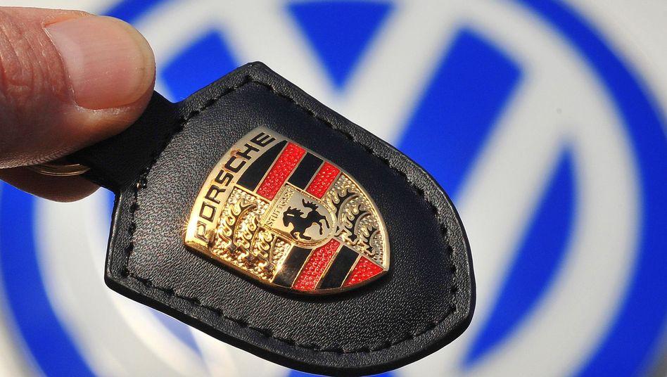 Keine Fusion in diesem Jahr: Porsche und VW sind uneins, wie die Altlasten bei einer Fusion zu bewerten sind. An den Plänen halten die Autobauer aber fest