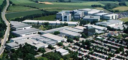 Aus der Luft: Unternehmenszentrale in Blomberg