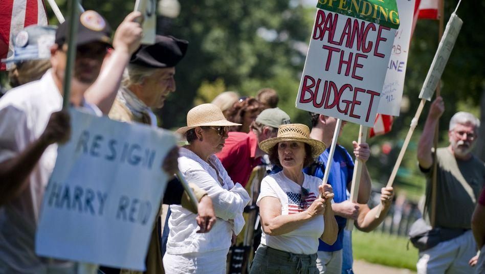Sparen, aber bitte nicht bei mir: Aktivisten der Tea Party in Washington