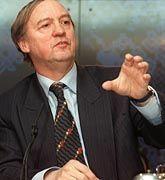 Einer von vier neuen Kontrolleuren: Karel van Miert