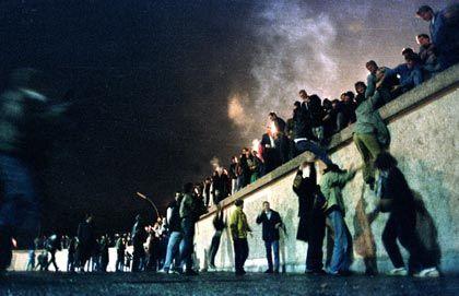 Neustart 1989: Die Mauer wird gestürmt