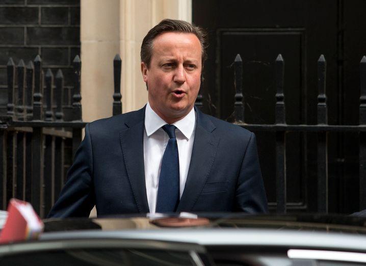 No, No, No: Großbritanniens Premier David Cameron will bislang kein Geld britischer Steuerzahler zur Rettung des Euro und Griechenlands beisteuern. Das könnte sich ändern, wenn er Garantien bekommt, dass ein Nicht-Euro-Staat kein Geld verliert