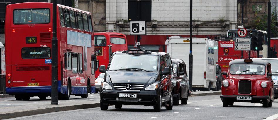 In 23 Jahren soll auf den Straßen von Großbritannien möglichst keine Auto mehr mit Verbrennungsmotoren fahren, zumindest sollen keine Autos mehr mit dieser Antriebsart neu zugelassen werden