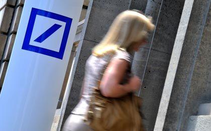 Auf Wiedersehen: Die Deutsche Bank will sich von Mitarbeitern trennen
