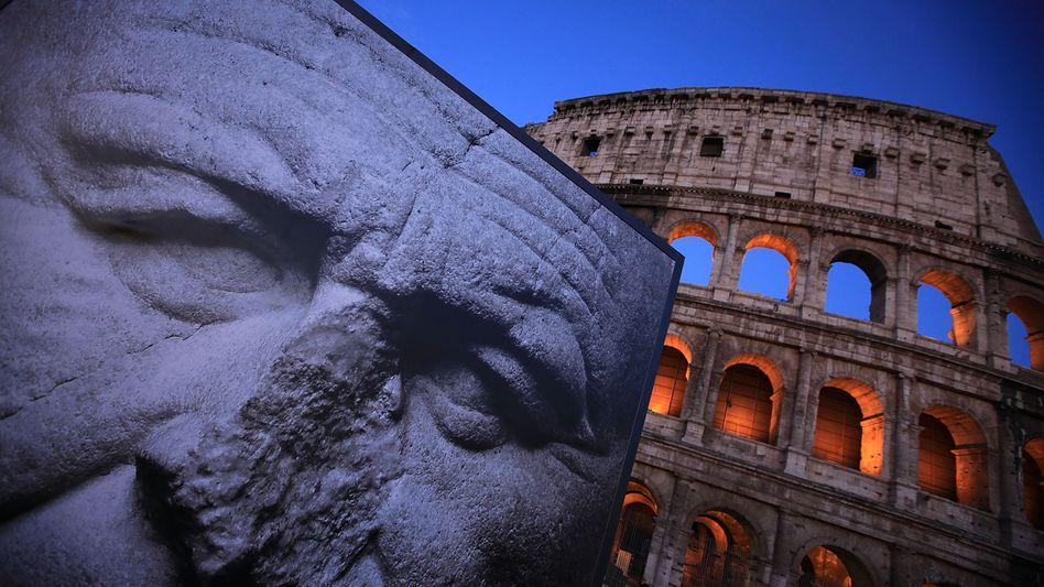 Kolosseum in Rom: Die Staatsfinanzen bröckeln, das Land muss Rekord-Risikoaufschläge zahlen