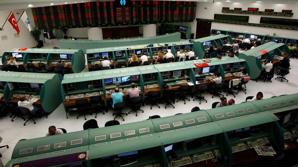 Börse in Istanbul: Anleger ließen die Kurse in den vergangenen Tagen bereits um mehr als 10 Prozent fallen