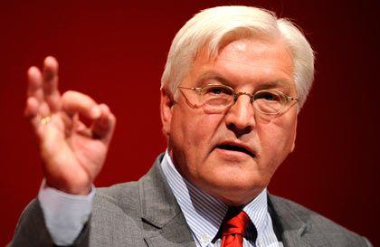 Oppositionsführer Steinmeier: Zustimmung der SPD noch nicht sicher