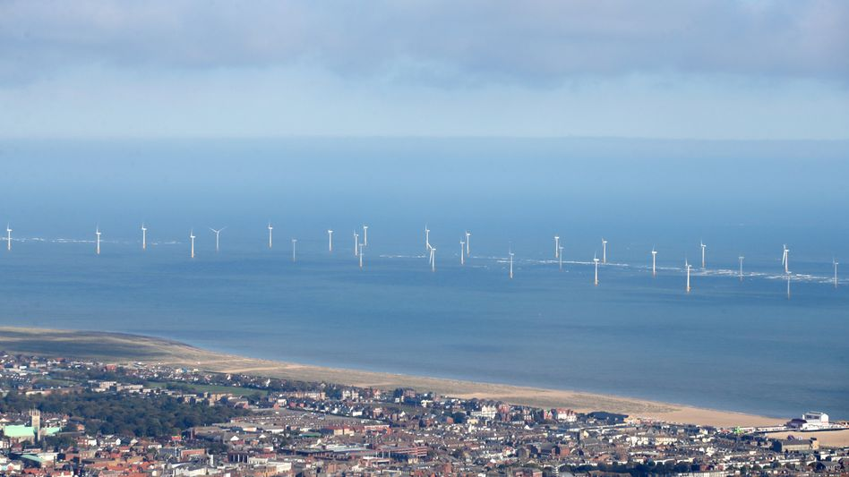 Windreiche Gefilde: RWE-Windpark Scroby Sands vor der ostenglischen Küstenstadt Great Yarmouth