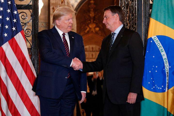 Noch letztes Wochenende schüttelte US-Präsident Donald Trump Brasiliens Präsidenten Jair Bolsonaro die Hand