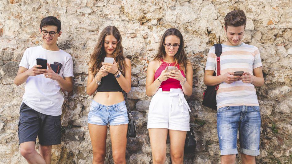 Smartphone macht stumm: Lieber 20 WhatsApp-Nachrichten schicken, als einmal kurz zu telefonieren