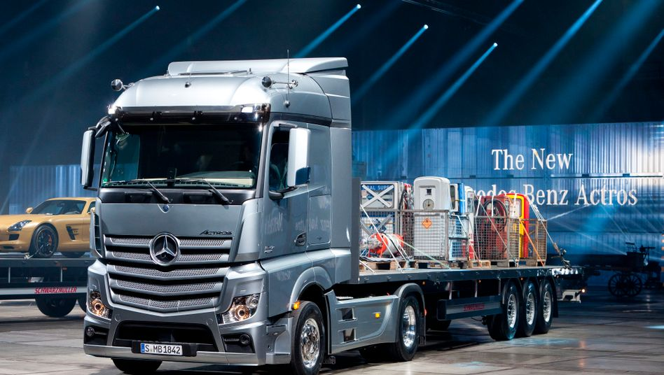 Bislang liefert Daimler von dem komplett außerhalb Chinas hergestellten Lkw Actros pro Jahr 3500 Modelle in die Volksrepublik