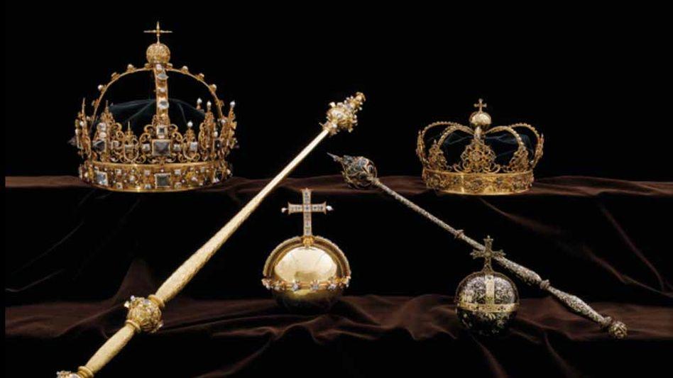 Zwei Diebe entwendeten die beiden Kronen und einen Reichsapfel