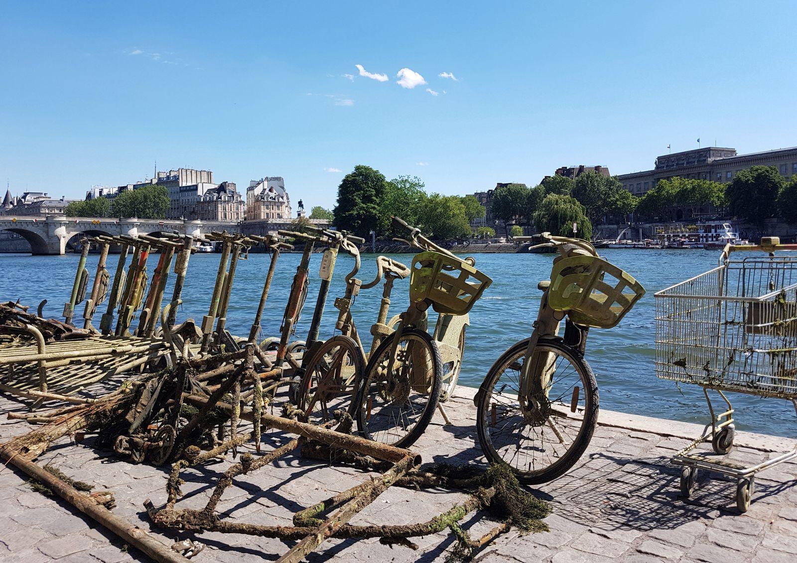 E-Tretroller Fahrräder / Paris