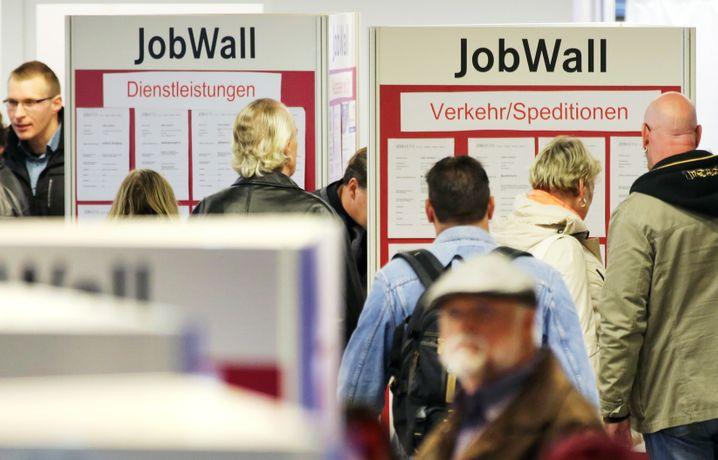 Fast ein Fünftel der Unternehmen in Deutschland plant, Stellen im Zuge der Corona-Krise abzubauen