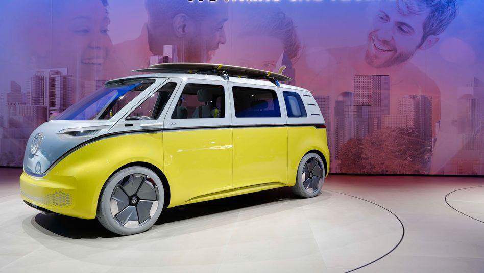 VW Elektrobulli ID.Buzz: Auch das VW-Werk in Hannover wird mit Industrierobotern zur Fertigung des neuen Modells bestückt