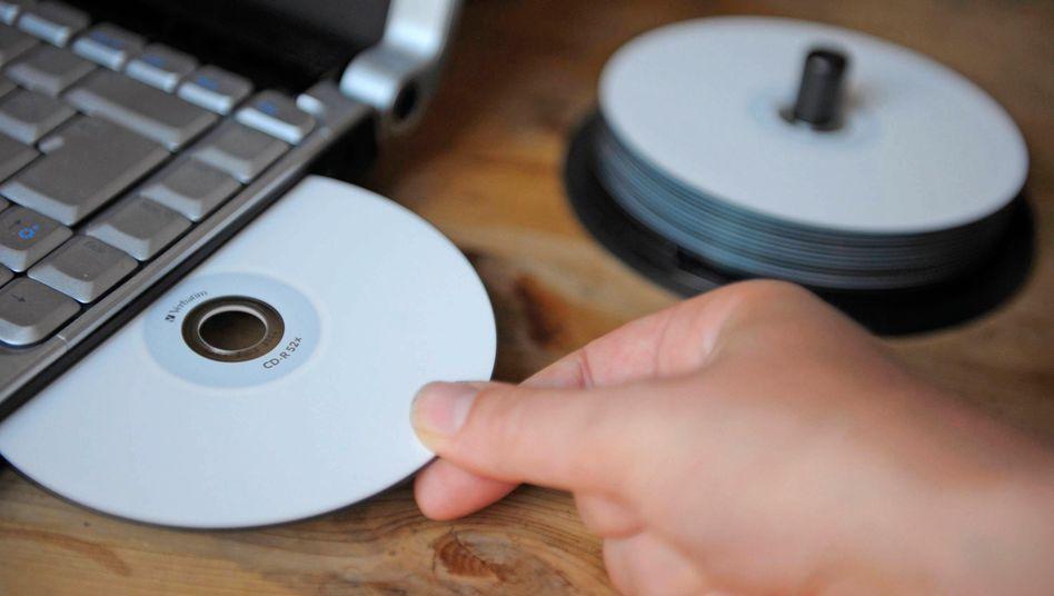 Neue CD mit mutmaßlichen Steuerhinterziehern im Angebot: Angeblich sollen 500 Millionen Euro bei der LLB liegen