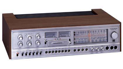 1976 wird der Begriff Receiver (für Radio und Verstärker in einem Gerät) eingeführt. Bei Grundig trägt der HiFi-Receiver 50 als erster diesen Namen.