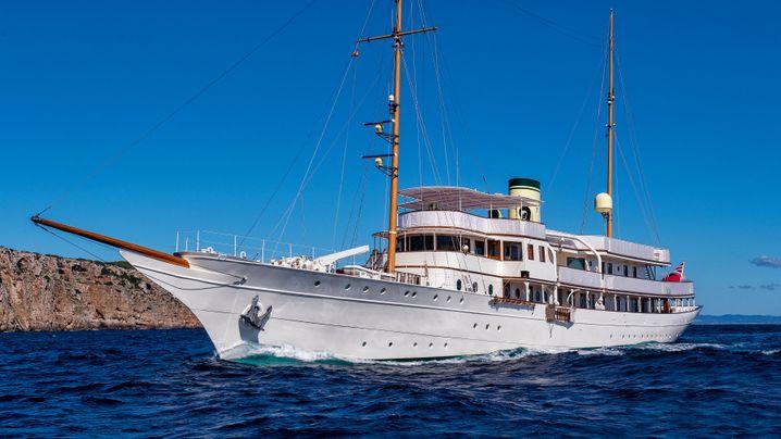 """World Superyacht Awards"": Luxuriöse Geschosse"