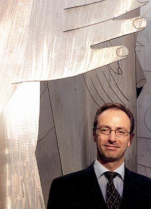 Stefan Röhrborn ist Fachanwalt für Arbeitsrecht in der Kanzlei Gravenhorst, Färber, Schumacher, Röhrborn, Simdorn und Kirchner in Düsseldorf.