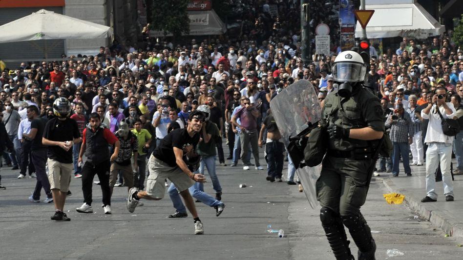 Gewalt in Athen: Straßenschlachten gegen Sparpakete
