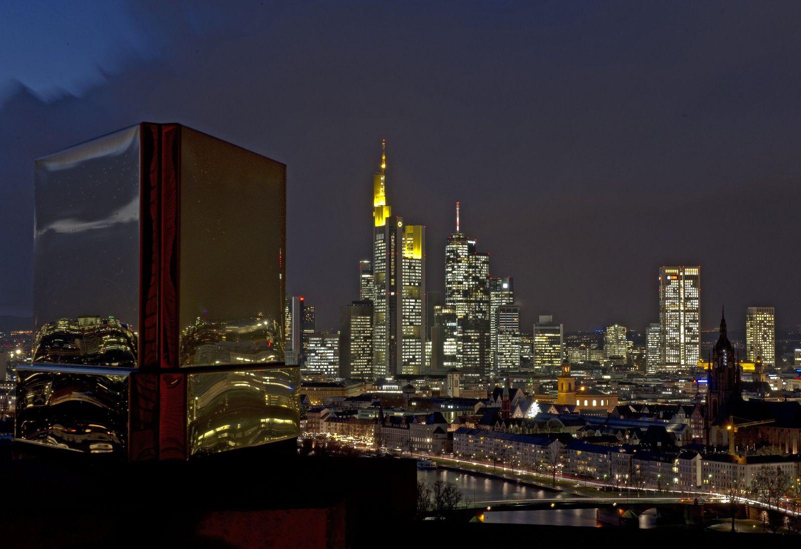 NUR FÜR HP1 Skyline Frankfurt/ Bankenviertel